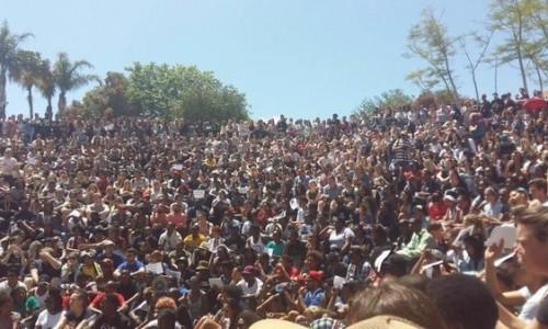 Sudafrica: gli studenti bloccano le università in tutto il Paese e assediano il parlamento