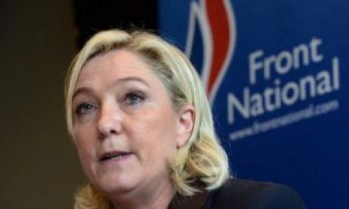 """""""Vietare tutti i cortei"""": ecco il vero volto di Marine Le Pen!"""