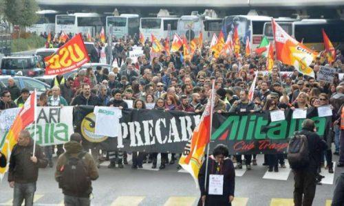 Alitalia: i lavoratori respingono il ricatto padronale