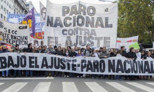 Argentina – I lavoratori furiosi mettono in fuga i leader del sindacato