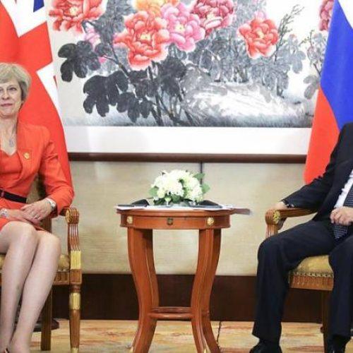 """Gran Bretagna: """"Il ruggito del topo"""" – Theresa May cerca lo scontro con la Russia"""