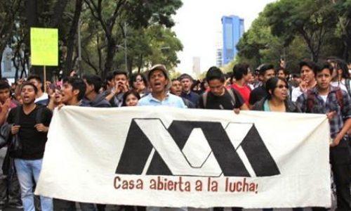 La lotta degli studenti scuote il Messico