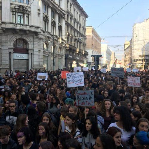 Serve una rivoluzione! – Il 12 ottobre in piazza contro Salvini e un futuro di miseria