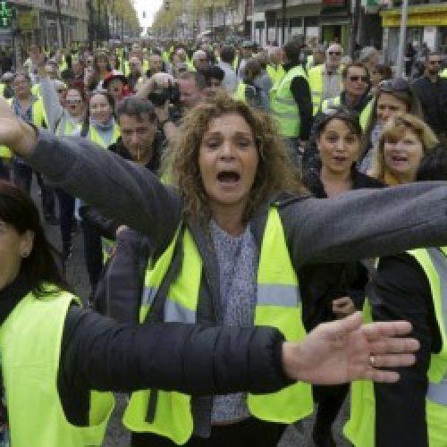 Francia – Gilet gialli: Come si può far cadere il governo?