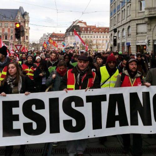 """Con l'avanzata dei gilet gialli la Francia è in una """"situazione insurrezionale"""""""