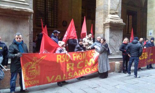 Bologna – RCM: a pagare deve essere il padrone, non i lavoratori