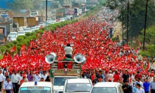 India: 200 milioni in sciopero contro gli attacchi ai diritti dei lavoratori