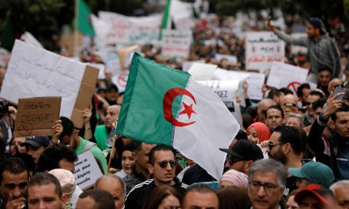 Rivoluzione in Algeria: finita una fase, ne comincia un'altra