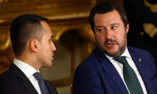 5 Stelle a picco, Salvini cavalca l'onda