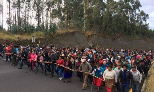 Ecuador: rivolta operaio-contadina, il governo fugge dalla capitale