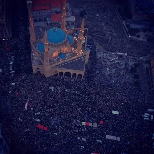 Scoppia la rivoluzione in Libano: abbasso il regime corrotto!