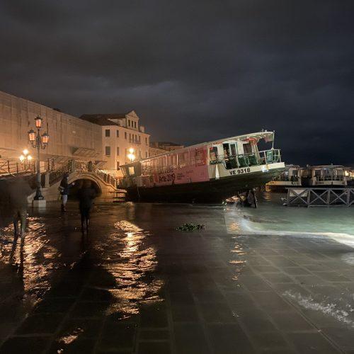 Acqua alta e sopravvivenza di Venezia – Il capitale non guarda in faccia a nessuno!