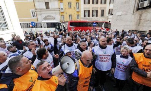 Whirlpool Napoli: fermiamo la chiusura con una lotta generalizzata!