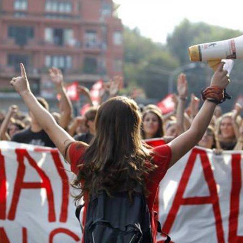 Scuola: la didattica a distanza esaspera la divisione sociale!