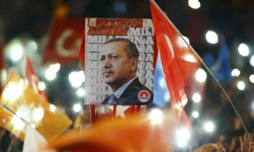 Turchia: Erdogan vince col terrore