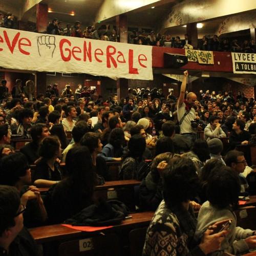 Francia: il movimento al bivio decisivo!