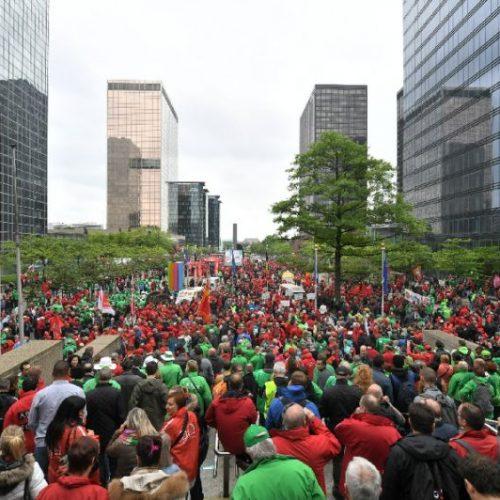 Belgio – Gli scioperi spontanei fanno vacillare il governo