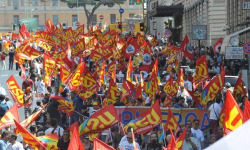 Sindacati di base divisi allo sciopero