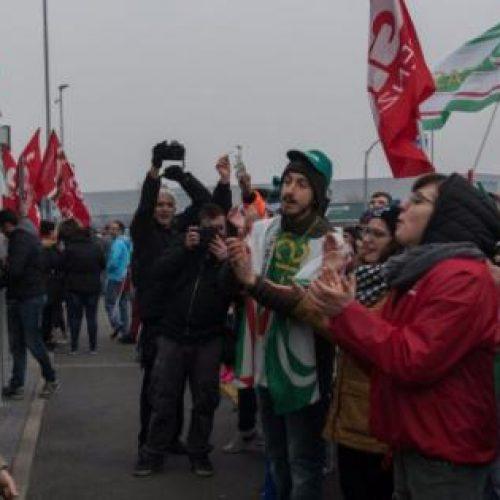 Il Red Friday dei lavoratori Amazon