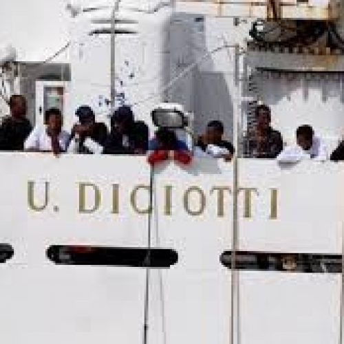 Diciotti, Aquarius – Contro il razzismo di Salvini e l'ipocrisia del Pd. Unità di classe di tutti i lavoratori!
