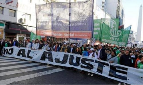 Argentina  – Le masse assediano il governo Macri