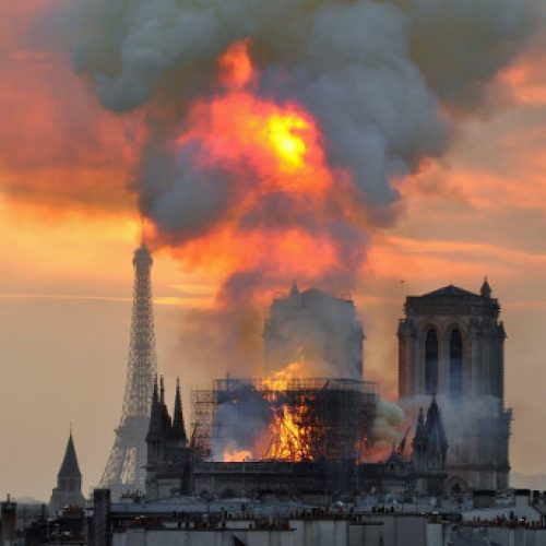 Francia: l'incendio di Notre Dame – Il capitalismo distrugge il nostro patrimonio storico