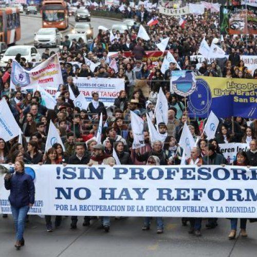 Cile – lo sciopero degli insegnanti entra nella quinta settimana. La ministra Cubillos deve dimettersi!