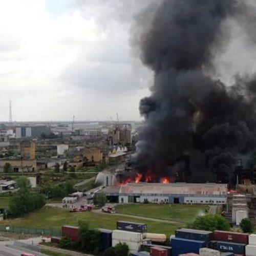 """Incendio a Marghera – Quando gli """"schei"""" comandano sulla vita e la salute"""