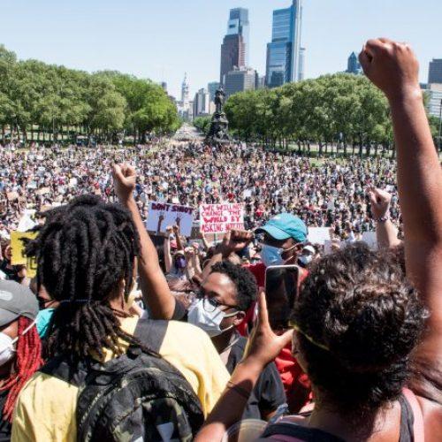 Usa: che fare dopo che la frusta della reazione non è riuscita a intimidire le masse?