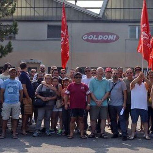 Carpi (Mo) – La Goldoni va nazionalizzata! La Goldoni è dei lavoratori e della collettività!