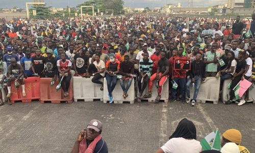 Il massacro della gioventù nigeriana fa esplodere una rabbia insurrezionale