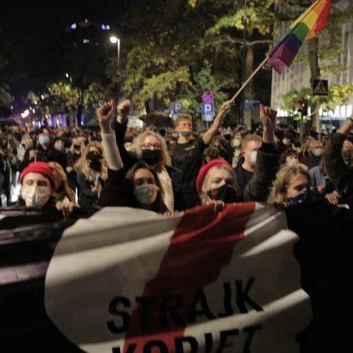 Polonia -La proibizione dell'aborto da parte della magistratura è un attacco alla classe operaia!