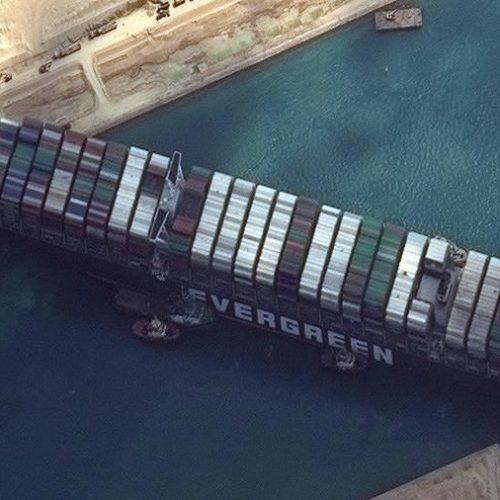 La settimana dove il commercio mondiale si è arenato a Suez
