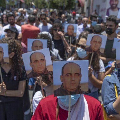 Palestina – L'assassinio di Nizar Banat fa esplodere la rabbia in tutta la Cisgiordania