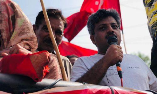 Pakistan: grande manifestazione di protesta dei lavoratori dell'industria a Karachi