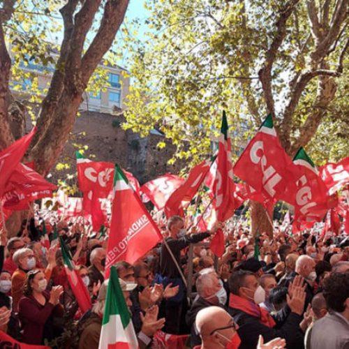 Rispondiamo in massa alla provocazione fascista!  Serve lo sciopero generale per salario e diritti